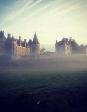 le château dans la brume matinale.jpg